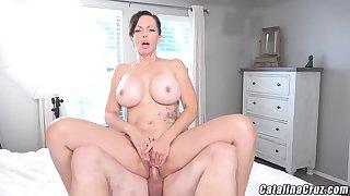 Catalina Cruz - Juicy Housewife Catalina Cruz Bounces Aggravation Fucking Cock