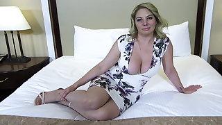 Chubby ass and titties blonde MILF