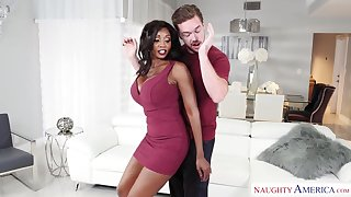 Caitiff public schoolmate enjoys a mind blowing sex with ebony cougar Diamond Jackson