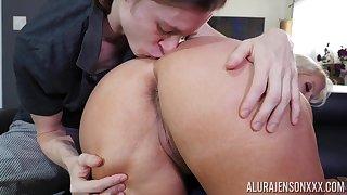 Blonde mature cougar Alura Jenson has will not hear of big ass flame - Hd porn 1080p