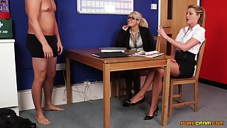 Lu Elissa and her coworker enjoy sucking dick be advantageous to an attachment